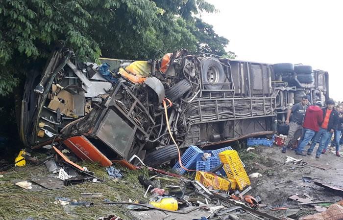 En Cochabamba un fatal accidente deja al menos 6 muertos
