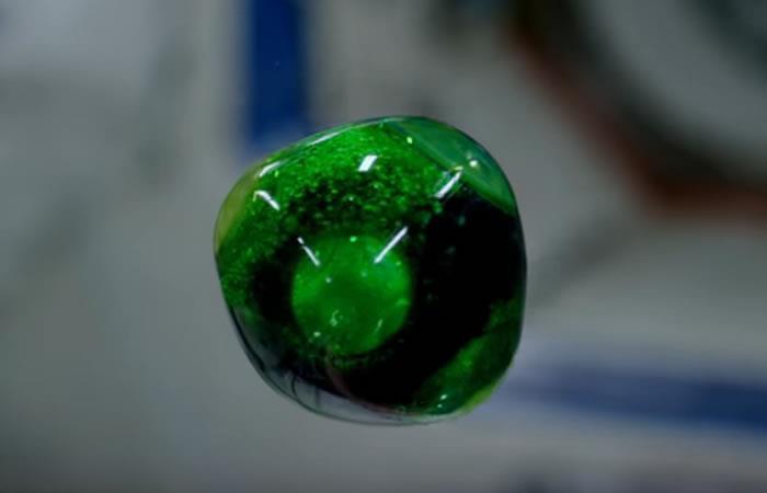 NASA comparte sorprendente video de esferas de agua sin gravedad