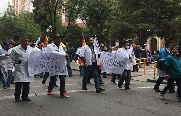 Santa Cruz: Médicos retoman protestas y el paro continúa