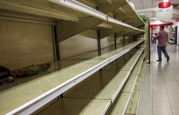 Gobierno venezolano obliga a supermercados a bajar los precios