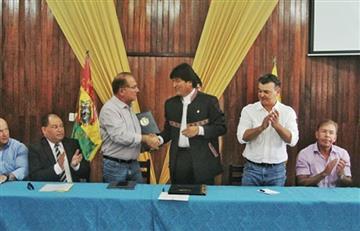Evo Morales libera las exportaciones de alcohol y azúcar