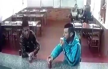 Video: Así asesinaron a un hombre mientras bebía en una pizzería en Brasil