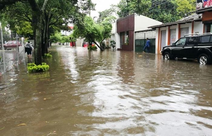 Al menos 3.800 familias quedaron afectadas por fuertes lluvias en el país