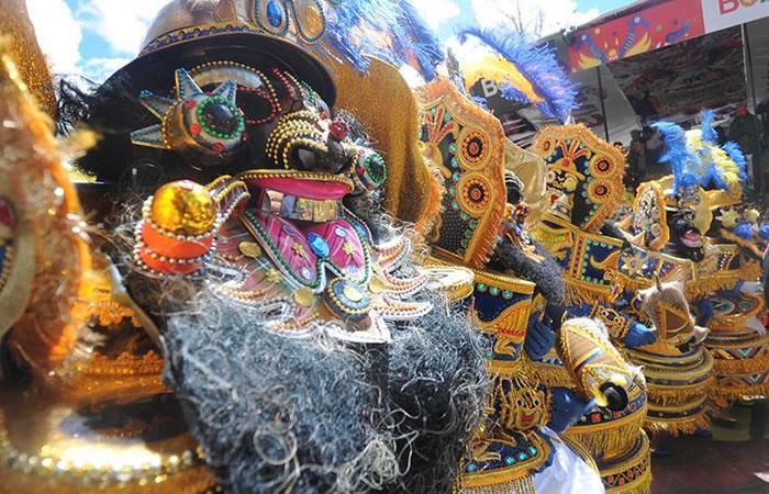 Alcaldía de Sucre presenta convocatorias para Carnaval 2018
