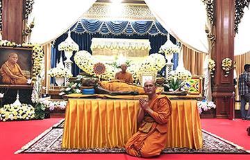 Un monje budista 'sonríe' dos meses después de su muerte