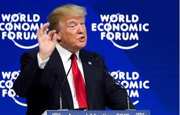 Video: Trump abucheado en Davos tras sus críticas a la prensa