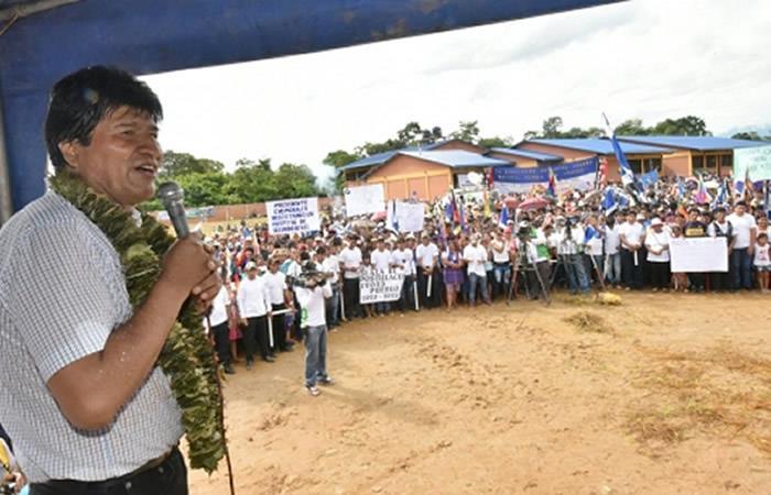 Evo Morales insta a cocaleros a educarse en uso de RRSS