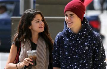 Así Selena Gomez y Justin Bieber oficializaron su relación
