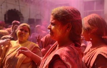 India se llena de color con el tradicional Festival Holi