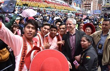 García Linera entrega moderna unidad educativa en San José de La Paz