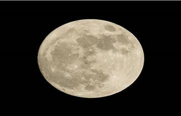 Nuevo estudio señala la existencia de agua en la Luna