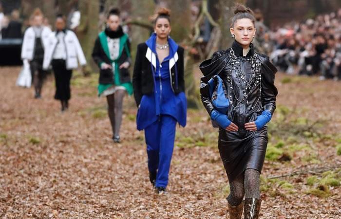 París: Chanel presenta su nueva colección en medio de un bosque