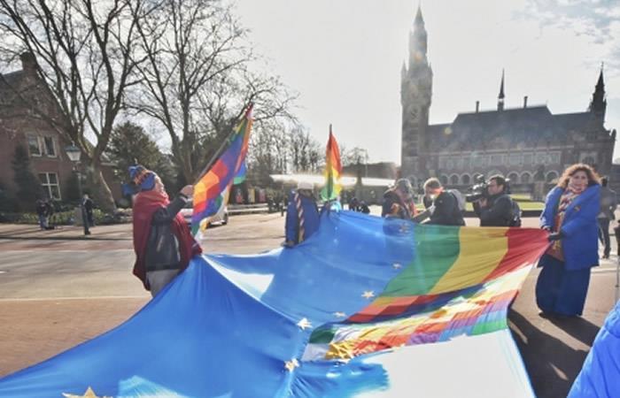 Bolivianos en vigilia acompañan los alegatos orales en la CIJ