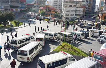 Choferes protestan porque la Alcaldía de La Paz no hace respetar rutas