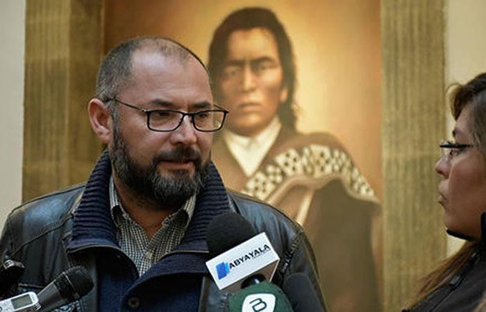 Chileno que repartió el 'Libro del Mar' inició trámite de asilo en Bolivia