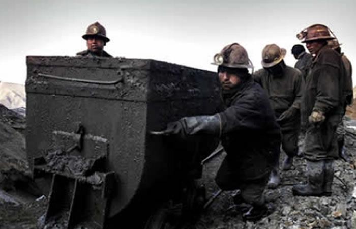Federación de Mineros declara duelo nacional por muertes en Huanuni