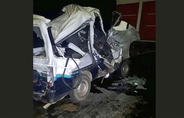 Choque múltiple en Guaqui deja un muerto y 6 heridos
