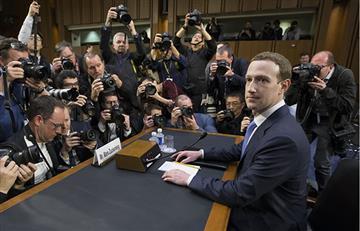 ¿Mark Zuckerberg es un robot?