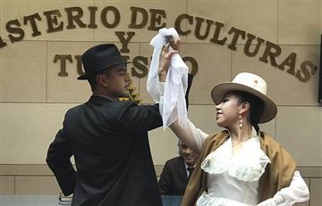 Bolivia busca que la cueca se incorpore al sistema escolar