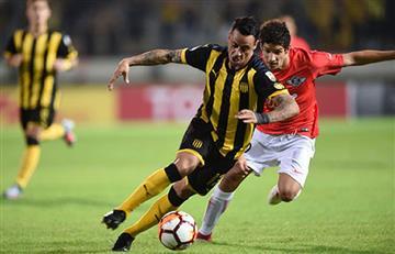 Peñarol derrotó a Libertad y sigue soñando en la Libertadores