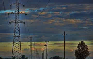Gobierno anuncia alza en las tarifas eléctricas y desata protestas