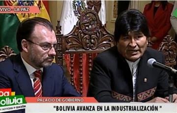 Bolivia venderá quinua a México y estudiantes recibirán becas