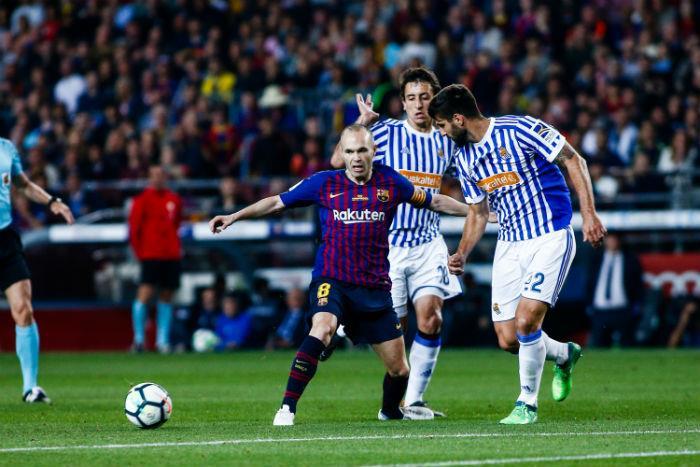 Barcelona se despide de Andres Iniesta con victoria