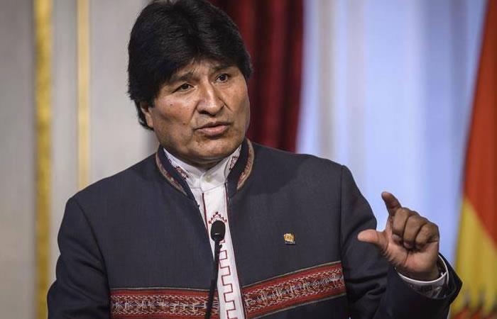 Evo Morales entrega bloque de aulas en escuela de Shinahota