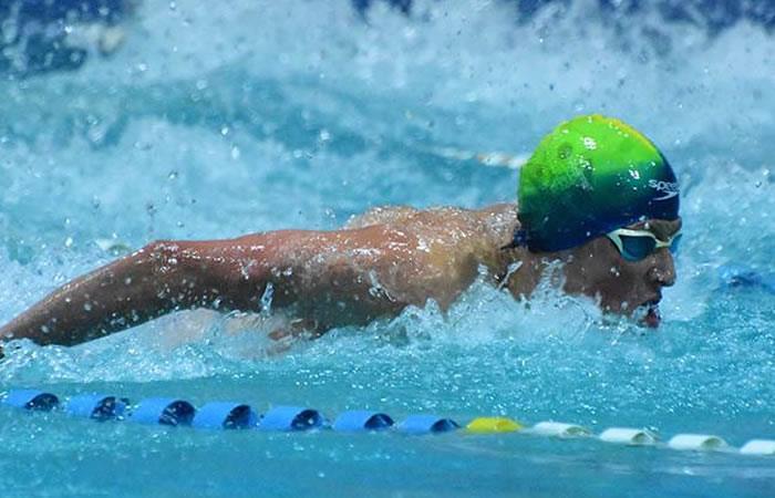 Nadador Cavanagh clasifica a finales y anuncia pelea por medalla para Bolivia