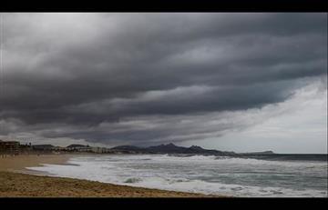 México: Suspenden clases en zona turística ante fuerte tormenta