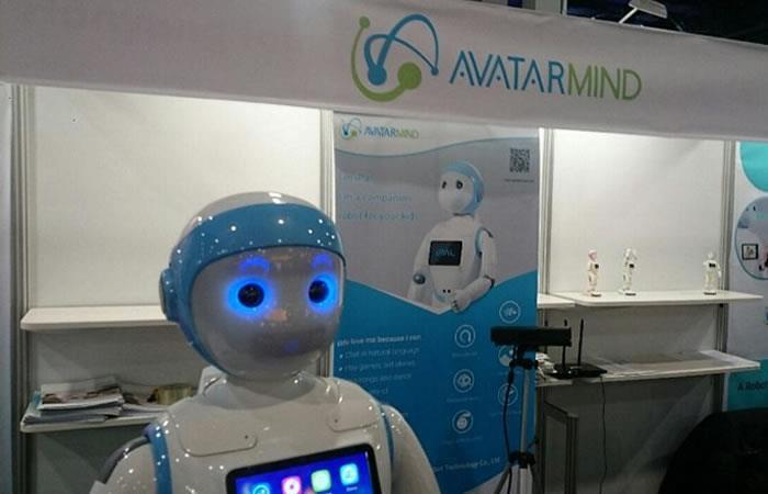 El nuevo robot profesor que habla dos idiomas. Foto: AFP