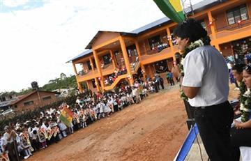 Evo entrega unidad educativa de 2,9 millones de bolivianos