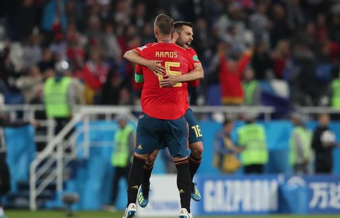 España empató y aseguró un cupo en los octavos de final