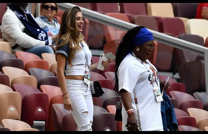María Zulay Salaues fue sorprendida apoyando a Paul Pogba. Foto: AFP