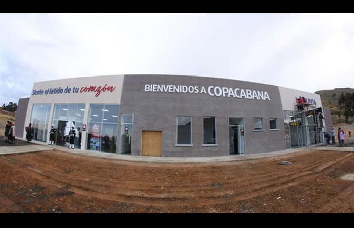 Bolivia estrena aeropuerto turístico en la frontera con Perú