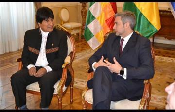 Presidente de Paraguay llega a Bolivia para reunión con Evo Morales