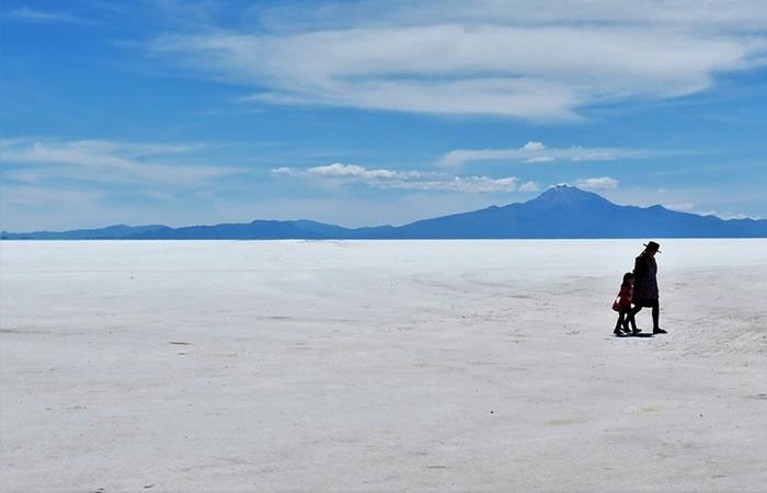 Turista ciego recorrerá a pie 140 kilómetros del salar de Uyuni