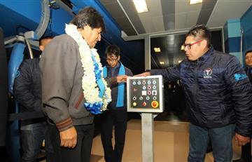 Evo Morales inaugura la línea más rápida del teleférico de La Paz