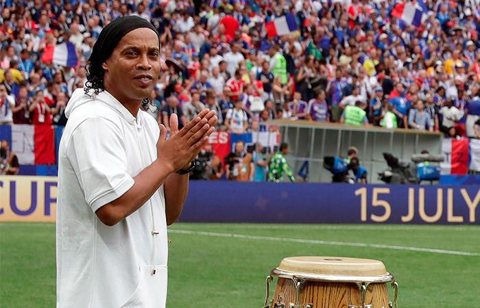 Ronaldinho también participó de la clausura Foto: EFE