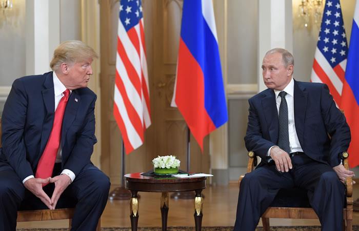 El presidente de Estados Unidos Donald Trump y su homólogo ruso Vladimir Putin en Helsinki. Foto. AFP.