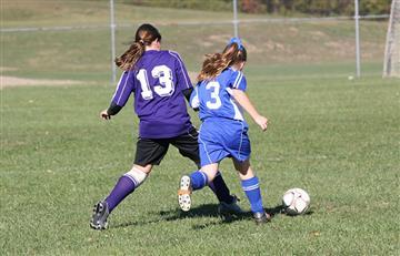Científicos revelan por qué es peligroso para las mujeres jugar fútbol