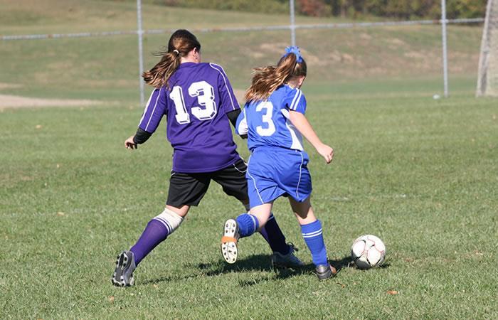 Los peligros de las mujeres futbolistas. Foto: Shutterstock