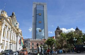Buscan a dos peruanos por el robo de símbolos presidenciales en Bolivia