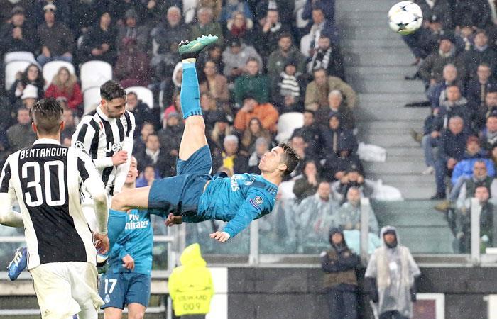Este gol de Cristiano Ronaldo está nominado para gol del año de la UEFA. Foto: AFP