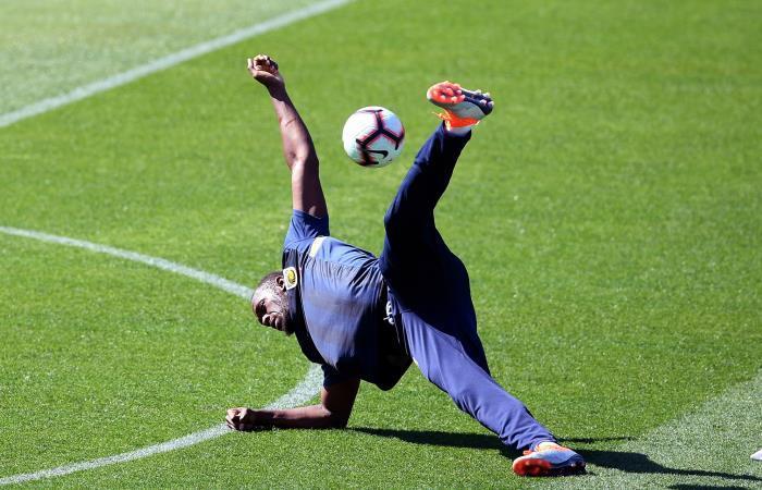 Usain Bolt en entrenamientos con Central Coast Mariners en Australia. Foto: EFE