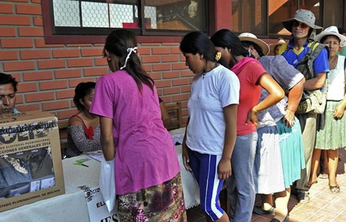MAS busca adelantar elecciones presidenciales. Foto: AFP