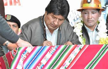Morales promulga ley para el 'Día Nacional de las Cooperativas'