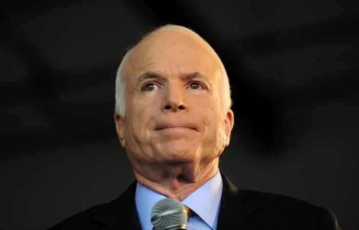 John McCain, fallecido el sábado, era conocido por encarnar una cada vez más inhabitual cortesía en la política estadounidense. Foto. AFP.