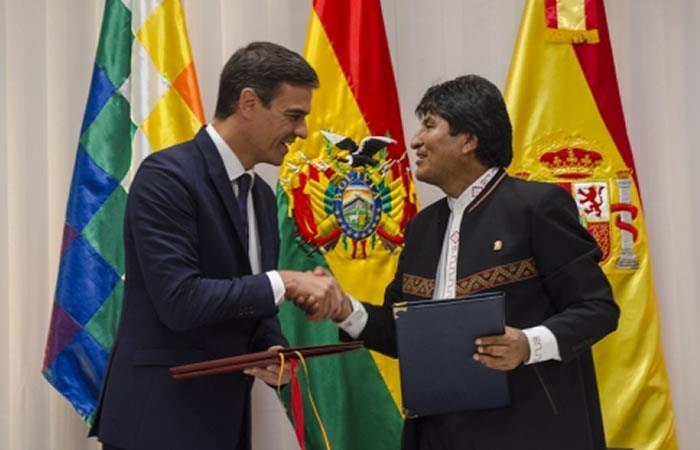 Pedro Sánchez y Evo Morales. Foto: ABI