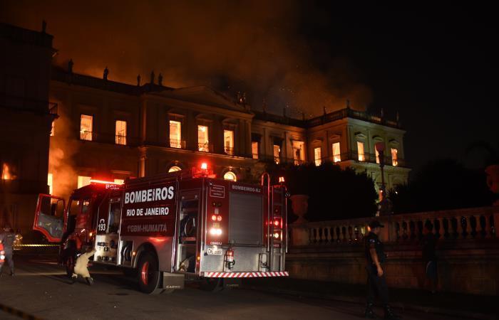 Un gran incendio destruyó grandes partes del Museo Nacional de Brasil en Río de Janeiro. Foto. AFP.